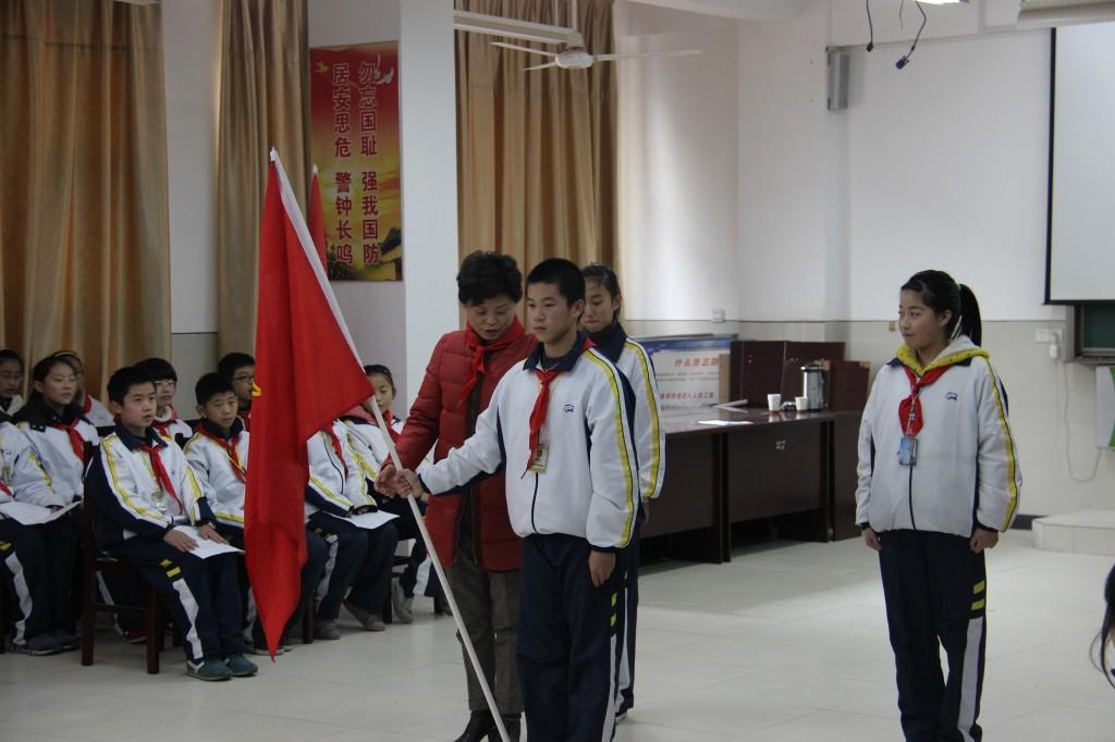 长兴县龙山中学:开展校级少先队活动课观摩