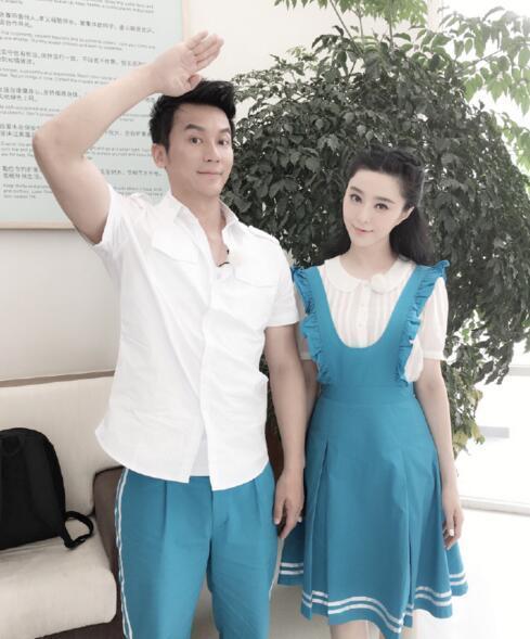 李晨,我想对你说:你敬的少先队队礼是不规范的!